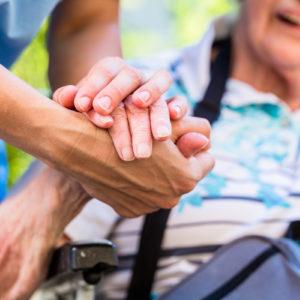 Die Zahl der Pflegebedürftigen wird in Zukunft weiter ansteigen (Foto: Kzenon, Fotolia)