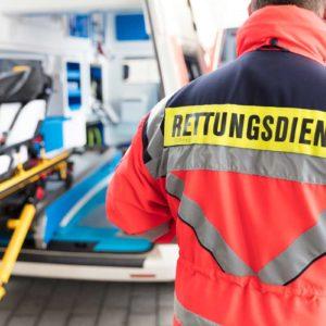 Die sichere Entsorgung von Abfällen ist bei Rettungsdiensten eine zentrale Aufgabe. (Foto: Christian Schwier, Fotolia)