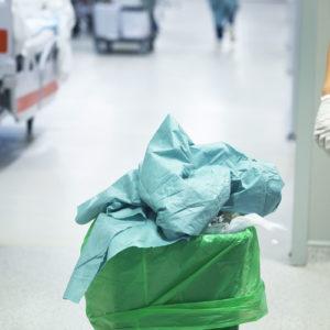 Die Entstehung, Sammlung, Lagerung und der Abtransport von Abfällen fallen in den Organisationsbereich des Abfallbeauftragten (Foto: edwardolive, AdobeStock)
