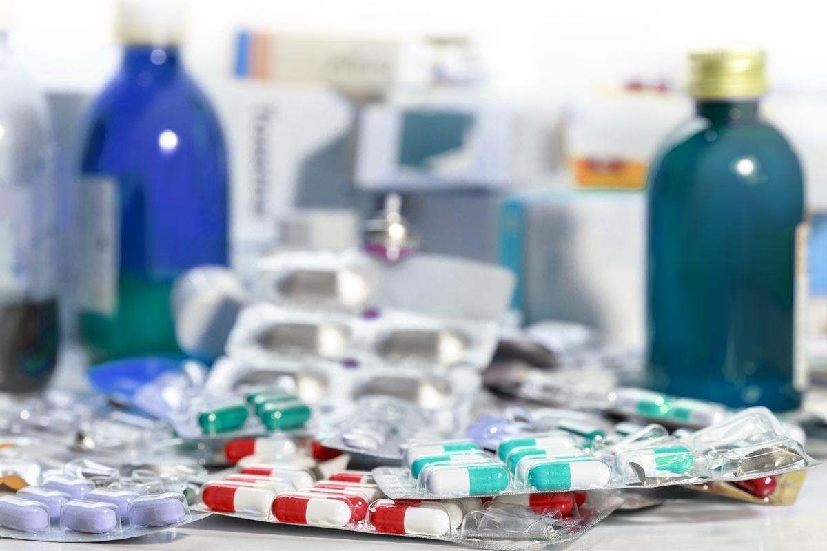 Altmedikamente müssen verantwortungs- und umweltbewusst entsorgt werden (Foto: Alonso-Aguilar, Fotolia)
