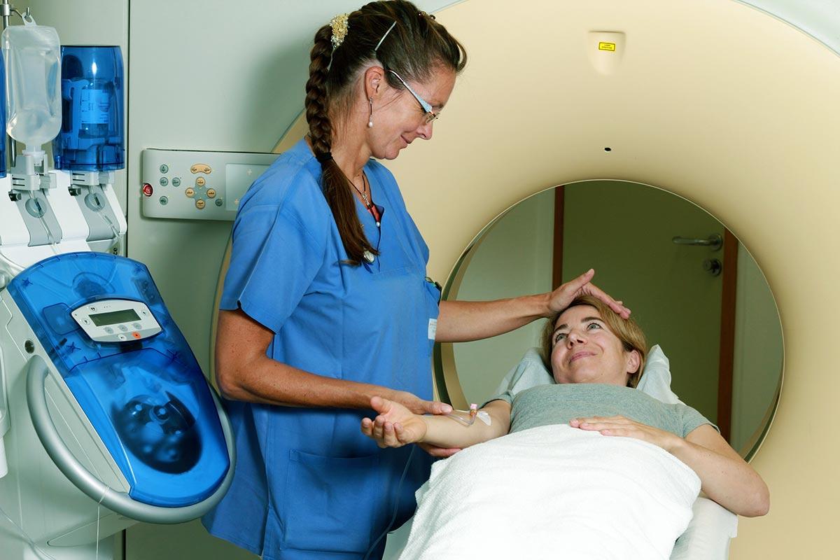 Kontrastmittel werden unter anderem bei computertomografischen Untersuchungen (CT) eingesetzt (Foto: Ipotthoff, Fotolia)