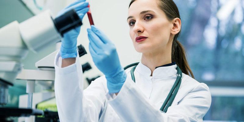 Viele Labore stufen Patientenproben grundsätzlich als infektiösen Abfall ein. (Foto: Kzenon, Fotolia)