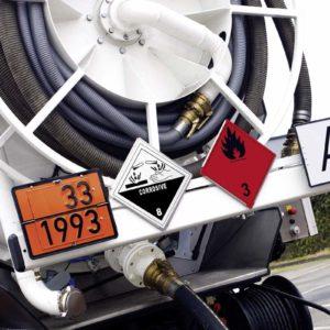 Für den Transport gefährlicher Abfälle sind umfassende Kenntnisse über Gefahrgut-Nummern notwendig. (Foto: Abfallmanager-Medizin)
