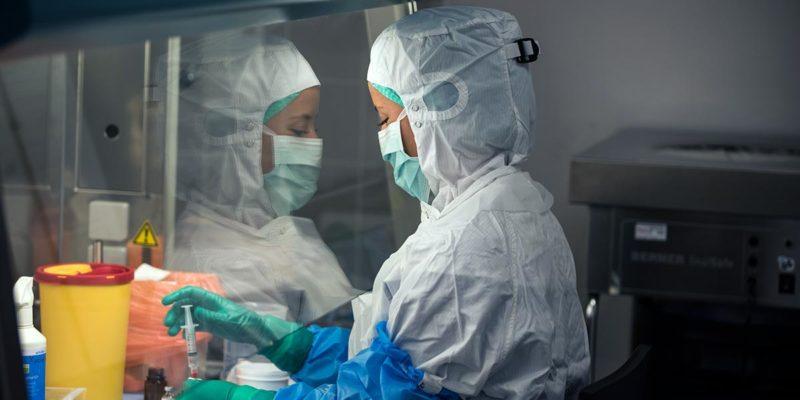 Die Krankenhausapotheke ist ein wesentlicher Bestandteil der Klinikversorgung (Foto: benicoma, AdobeStock)