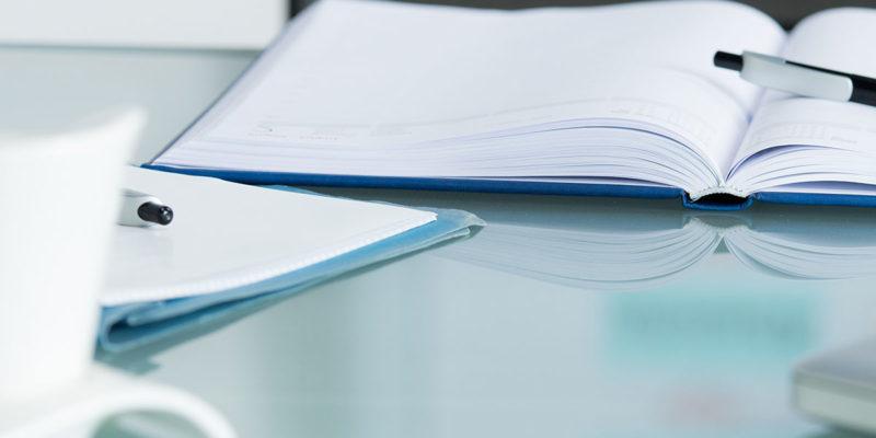 Ein angehender Abfallbeauftragter muss als zuverlässig eingestuft werden, um die Stelle anzutreten (Foto: AdobeStock, pictworks)