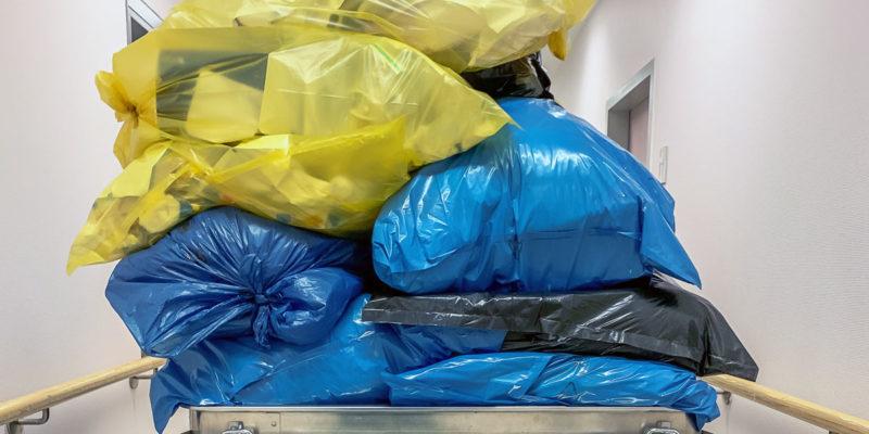 Das Kreislaufwirtschaftsgesetz schreibt in §14 die Förderung des Recyclings vor (Foto: andre, AdobeStock)