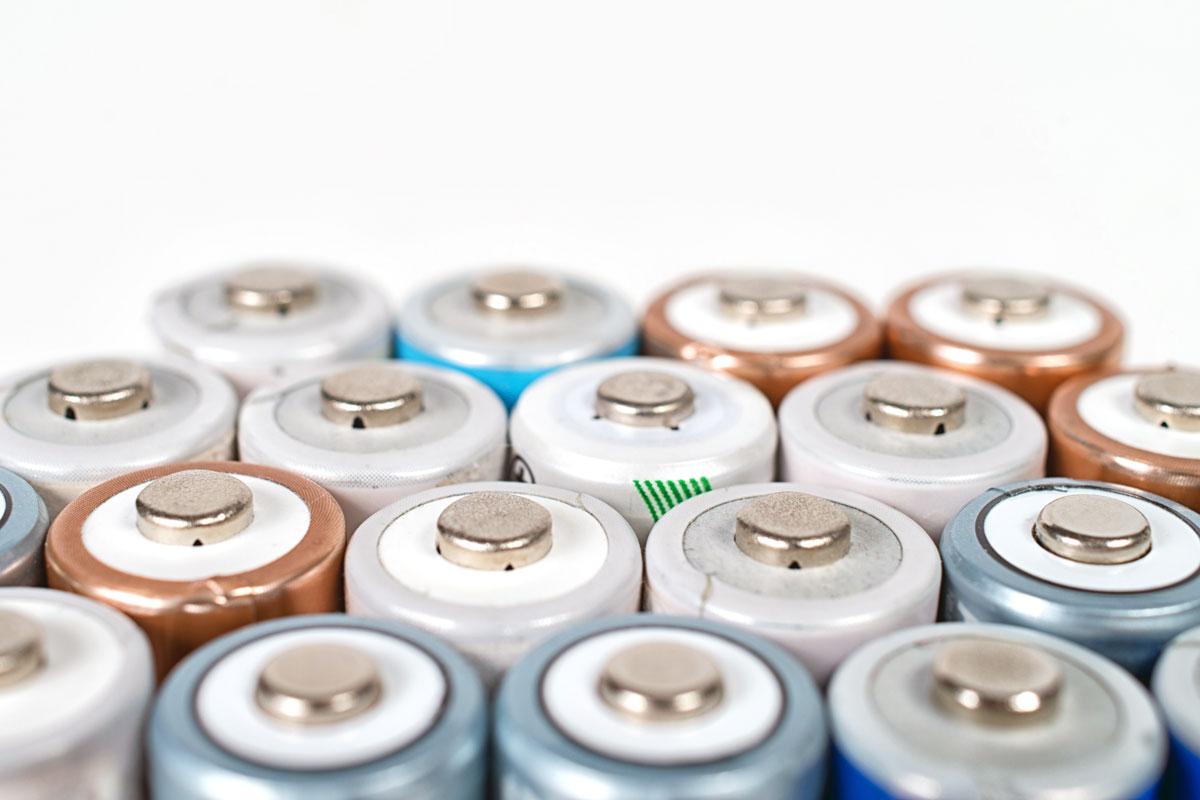 Im Zuge des erweiterten Elektro- und Elektronikgerätegesetzes (ElektroG) überarbeitete die LAGA ihre konkretisierenden Merkblätter (Foto: DD Images; AdobeStock)