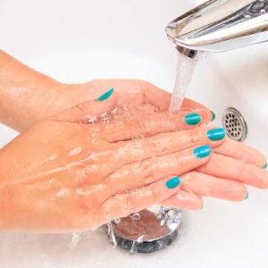 Mit Legionellen besiedeltes Trinkwasser kann besonders für Krankenhauspatienten gefährlich sein (Foto: Naked King, iStock)