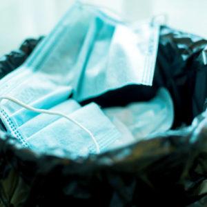 Für mit SARS-CoV-2 kontaminierte Abfälle gelten unterschiedliche Entsorgungswege (Foto:Koonsiri-Boonnak, iStock)