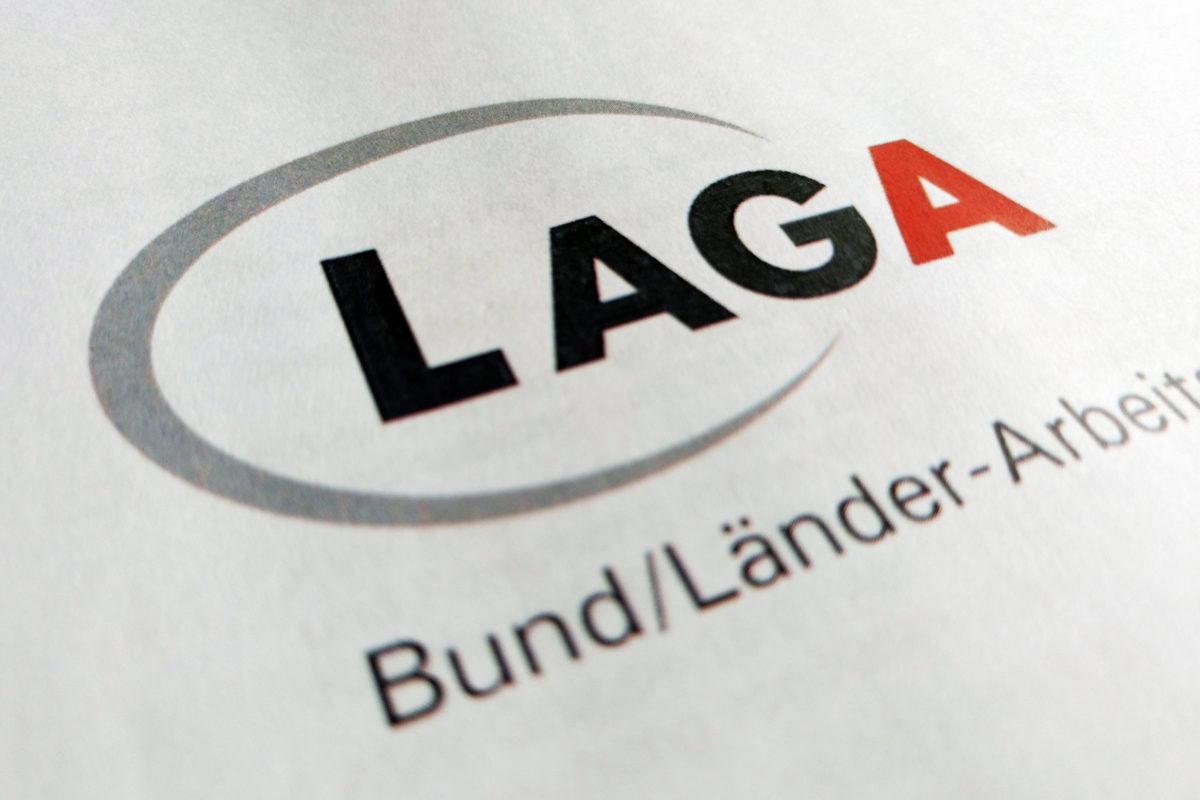 Die neue LAGA 18 fällt auf den ersten Blick vor allem wesentlich umfangreicher aus als ihre Vorgängerin (Foto: Abfallmanager Medizin)